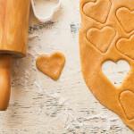 Découpez la pâte en forme de coeur